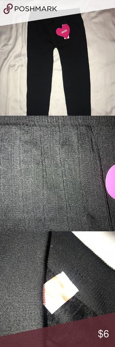 Girls black leggings Girls leggings with faux fur lining inside and pattern outside. Extra warm and comfy. Never worn. Pants Leggings