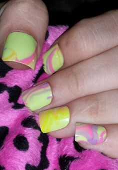 Magen's water marble nails