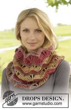 "Autumn Waves - Gehäkelter DROPS Kragenschal in ""Big Delight"" mit Lochmuster. - Free pattern by DROPS Design"