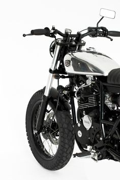 Yamaha SX225 Street tracker. Deus Custom. Let's go to the beach !
