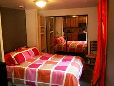 104! Cozy Casita ~ 8 Blocks to Beach! Free Wifi, Cable, Parking ($115/night or $104/night for weekly; $75 cleaning fee, taxes?)