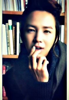 JKS,★♥ I'M GETTING AN UNEASY FEELING ABOUT HOW HE'S A LOOKIN! LOOKS INTENSE! WAIT A MINUTE WHAT ABOUT MARY? YOUR WIFE! WELL???