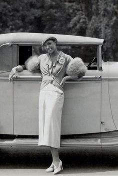 1934 Josephine Baker standing besides her brand new ride, a 1934 French Delage cabriolet. Vintage Black Glamour, Vintage Beauty, Vintage Fashion, Josephine Baker, Black Actors, Black Actresses, Art Deco, African American History, American Women