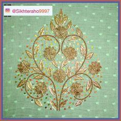 Blouse back side buta design Zardosi Work Bead Embroidery Patterns, Hand Embroidery Designs, Beaded Embroidery, Sewing Patches, Zardosi Work, Picture Design, Pattern Design, Vintage World Maps, Colour