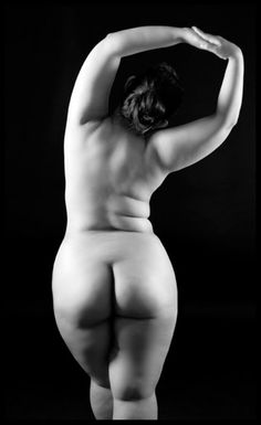 Beautiful image for a sensual boudoir Experience. Beautiful Curves, You Are Beautiful, Sexy Curves, Beautiful Body, Non Plus Ultra, Modelos Plus Size, Foto Art, Plus Size Beauty, Body Love