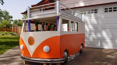 Cool dad builds an amazing VW bus bed for his little daughter