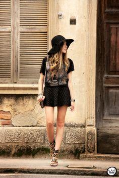 http://fashioncoolture.com.br/2014/01/27/look-du-jour-rock-chic/