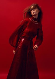 Fashion photography editorial glamour harpers bazaar Best Ideas - Photography, Landscape photography, Photography tips Mise En Page Portfolio Mode, Fashion Portfolio Layout, Indie Fashion, Red Fashion, Fashion Outfits, Harpers Bazaar, High Fashion Photography, Photography Tips, Modeling Photography