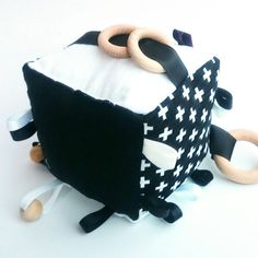 Crinkle sound rattle bell baby Swiss cross monochrome cognitive black white teething Teether wooden ring bead toy cube soft sensory blanket
