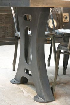 Industrial table Dream Furniture, Diy Furniture Projects, Metal Furniture, Industrial Furniture, Custom Furniture, Industrial Table Legs, Iron Table Legs, Interior Decorating Styles, Steel Table