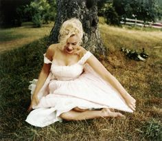 _A photo of Marilyn Monroe by Sam Shaw, September 1957