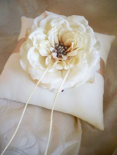 DIY Ring Bearer Pillow Tutorial :  wedding crafts diy pleasanton ring bearer 28 2