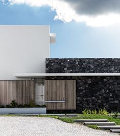 Modern Melkbos Home - Visi Modern Family, Home And Family, Modern Light Fittings, Slide Screen, Timber Staircase, Timber Screens, Brown Image, Indoor Outdoor, Outdoor Decor