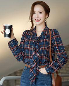 Korean Women`s Fashion Shopping Mall, Styleonme. Stylish Hoodies, Stylish Tops, Classy Work Outfits, Simple Outfits, Fashion Jackson, Korean Fashion Trends, Fashion Outfits, Women's Fashion, Teen Fashion