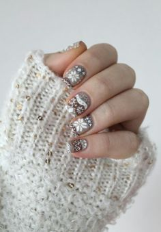 This christmas nail art definitely can match your knitted wear outfit during the winter season! www.beautyspace.com.sg