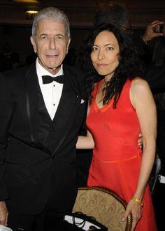 NEW YORK 10 maart Muzikant Leonard Cohen bij de 23ste Jaarlijkse Rock and Roll Hall of Fame Induction Ceremony in het Waldorf Astoria op 10 maart 2008 in het ...