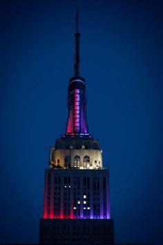 February 3, 2013 Empire State Building creates lighting scoreboard for Baltimore Ravens vs. San Francisco 49ers in Super Bowl 47.