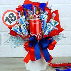 Słodki bukiet na 18 urodziny #prezent #prezentna18 18 Birthday, Presents, Candy, Crafts, Home Decor, Life, Craft Ideas, Amor, Gifts