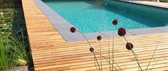 Poolterrasse aus Robinienholz