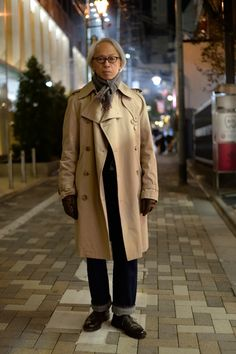 Mityp: on the street . Gentleman Mode, Gentleman Style, Smart Casual Menswear, Men Casual, Poster Shop, Mens Fashion Sweaters, Traditional Fashion, Japanese Street Fashion, Men Street