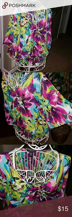 Jennifer lauren bat wing top xl 100 polyester  Machine wash cold  Excellent used condition  Length 26 bust 40 waist 36 Jennifer  lauren  Tops Blouses
