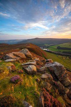 bellasecretgarden: Peak District Rocks. by Tall Guy on Flickr
