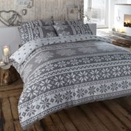 Duvet cover in grey. Winter bedding in a warm flannelette quilt cover set with Nordic snowflake designs in white. - Home Decoz Winter Bedroom Decor, Winter Bedding, Cozy Bedroom, Scandinavian Bedroom, Bedroom Ideas, Scandinavian Style, Master Bedroom, Bed Sets, Duvet Sets