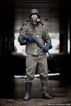 iron sky soldiers - Поиск в Google