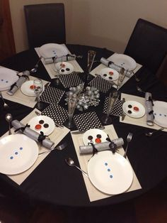 snowman table settings - Google Search                                                                                                                                                                                 More
