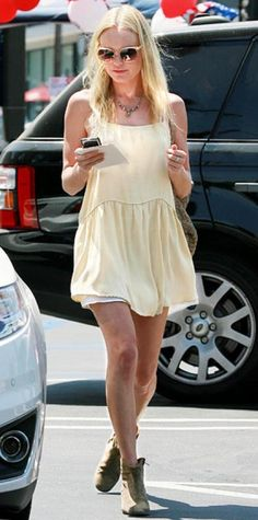 Look of the Day › July 17, 2010 WHAT SHE WORE Bosworth shopped in L.A. sporting a pale yellow dress with Chloe sunglasses and Isabel Marant booties.