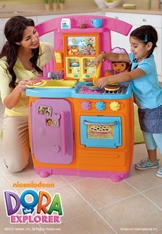 Dora Fiesta Favorites Kitchen: Get cookin' with recipe cards, lots of Dora phrases & accessories! Princess Toys, Barbie Princess, Toddler Girl Gifts, Toddler Toys, Toy Cars For Kids, Toys For Girls, Toddler Christmas Gifts, Kids Christmas, Dora Toys