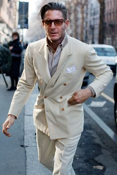 Mr. Lapo Elkan, sprezzatura icon. http://www.moderngentlemanmagazine.com/the-art-of-sprezzatura-looking-good-without-trying-to-hard/