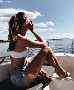 Endless summer Summer fashion Summer vibes Summer pictures Summer photos Summer outfits March 01 2020 at Insta Photo Ideas, Insta Pic, Summer Beach, Summer Vibes, Ocean Beach, Boat Pics, Beach Poses, Summer Aesthetic, Summer Photos