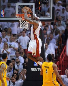 ff5c8b68f72c4d Lebron throws one down vs Pacers (Matt Kryger of Indy Star) Lebron James  Wallpapers