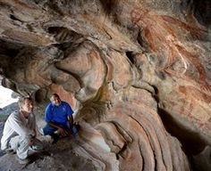 Discover the ancestral rock art and dramatic landscapes of the Nugal-warra people with Guurrbi Tours, TNQ