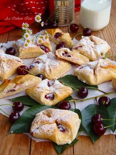 Meggyes túrós batyu Hungarian Cookies, Hungarian Desserts, Hungarian Cake, Hungarian Cuisine, Hungarian Recipes, Pastry Recipes, My Recipes, Classic Desserts, Sweet Cookies
