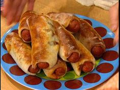 Rachael Ray---Chili-Cheese Dogs in Beach Blankets