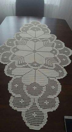Doilies Crochet Table Runner Blue Carpet Crochet Blocks Crafts With Bottles Napkins Table Toppers Place Mats Crochet Table Runner Pattern, Crochet Doily Patterns, Crochet Tablecloth, Crochet Chart, Thread Crochet, Crochet Designs, Crochet Doilies, Crochet Flowers, Hand Crochet