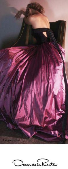 David Sims shoots Carolyn Murphy for Oscar de la Renta Fall/Winter Campaign. Styled by Alex White. Hair by Guido Palau. Make-up by Diane Kendal. Carolyn Murphy, David Sims, Annie Leibovitz, Donatella Versace, Tim Walker, Patrick Demarchelier, Peter Lindbergh, Alex White, Moda Paris