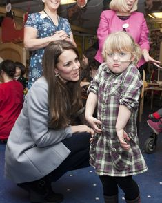 Kate Middleton Photos - Kate Middleton Visits a Children's Hospice - Zimbio