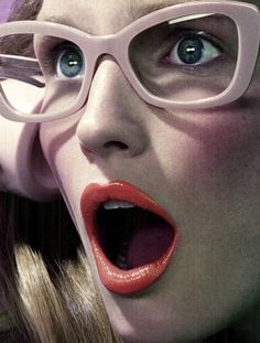 """Lips + Glasses #zienrs----Bellos ojos, mas belllos iven bien. Contrrolate cada año. Lee en nuestro blogspot.""""Como descansar frente a la PC"""""""