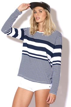 Universal Store ALL ABOUT EVE Masters Tee Navy