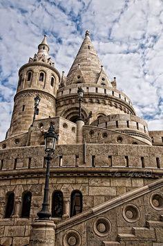 Halászbástya, Budapest, Hungary こんな形のお城は、なかなか無いのでは?積み木のようですね。