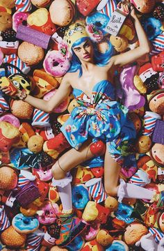 Have a colorful week-beginning like Cara Delevingne did on the cover of LOVE magazine, wearing Moschino! Shop the Moschino fall/winter collection available at Leam > http://goo.gl/efaZDS