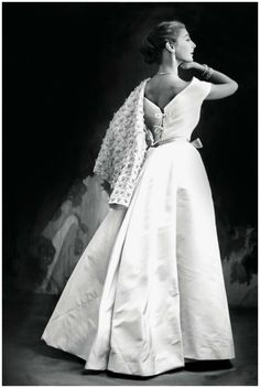 Fiona Campbell-Walter. Vogue in 1952.