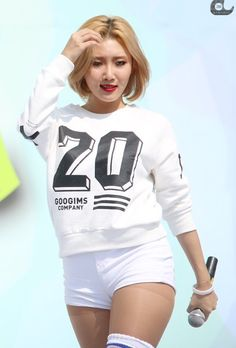 Mamamoo' Hwasa @kathrynglee123 Follow my board for more pins like these!!