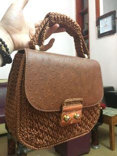 Crochet Handbags, Crochet Bags, Leather Bags Handmade, New Bag, Pouches, Cosmetic Bag, Saddle Bags, Purses And Bags, Creative