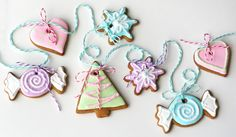These gingerbread cookies are made as a garland and would look wonderful on the tree. Description from home-dzine.co.za. I searched for this on bing.com/images