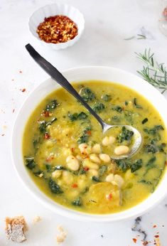 The best Tuscan White Bean Kale Soup recipe with winter squash, leeks, lacinato kale and creamy cannellini beans. vegan, WFPB and gluten free! Vegetarian Soup, Vegan Soups, Vegan Dishes, Vegetarian Recipes, White Bean Kale Soup, Tuscan Bean Soup, Kale Soup Recipes, Whole Food Recipes, Cooking Recipes