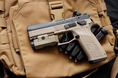 Daily Man Up Photos) - Suburban Men Rifle Accessories, Heckler & Koch, 9mm Pistol, Shooting Guns, Man Up, Work Tools, Cool Guns, Guns And Ammo, Weapons Guns